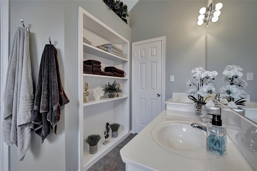 Sold Property | 104 N Frederick  Street Ponder, TX 76259 26