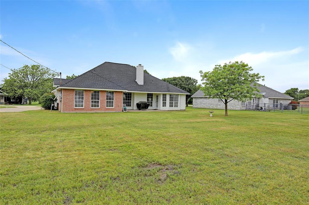 Sold Property | 104 N Frederick  Street Ponder, TX 76259 38