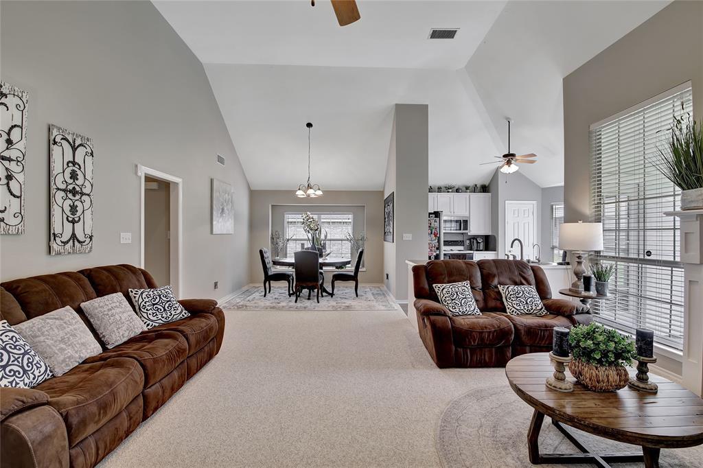 Sold Property | 104 N Frederick  Street Ponder, TX 76259 5