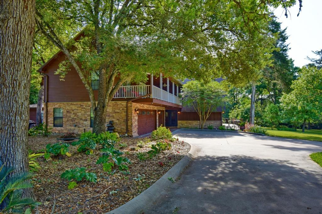 Custom Home in Brenham on 5 ac. Pond & Fabulous Landscape | 306 Hickory Bend  Road Brenham, TX 77833 4