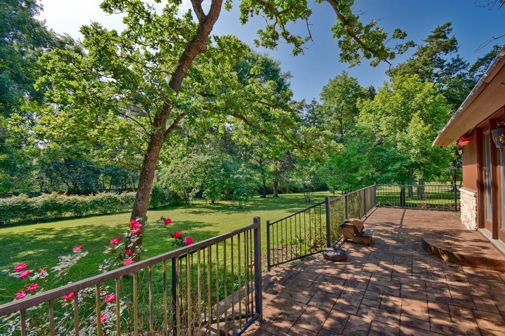 Custom Home in Brenham on 5 ac. Pond & Fabulous Landscape | 306 Hickory Bend  Road Brenham, TX 77833 14