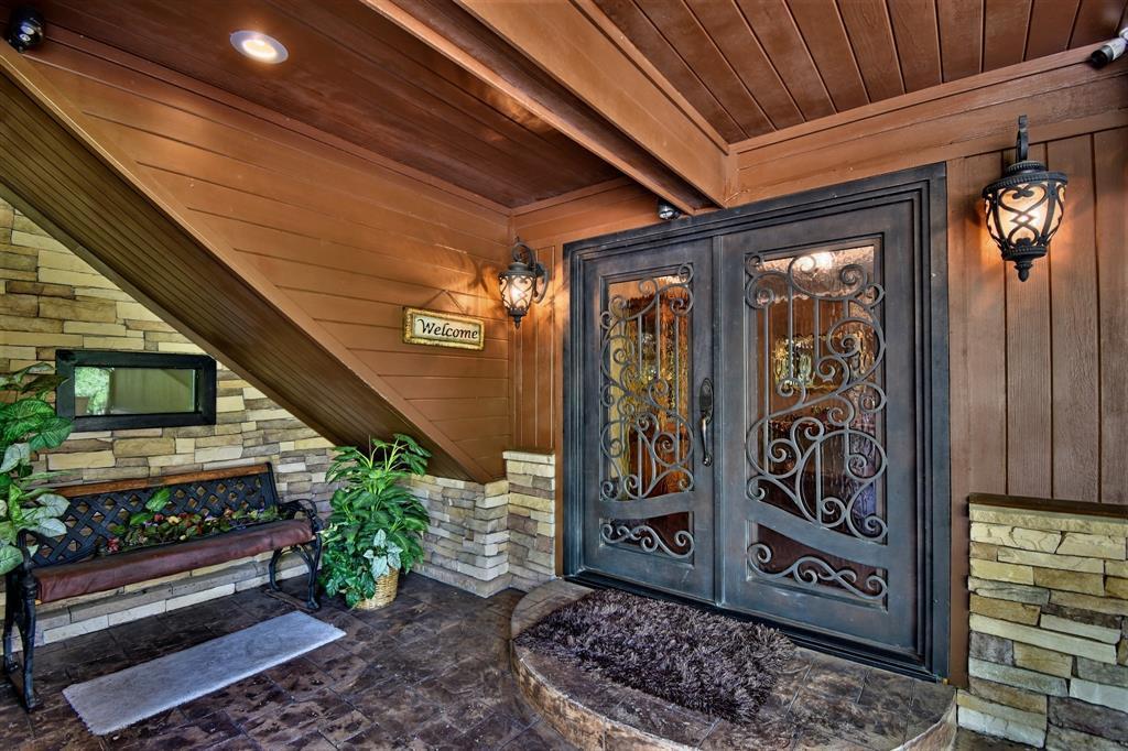 Custom Home in Brenham on 5 ac. Pond & Fabulous Landscape | 306 Hickory Bend  Road Brenham, TX 77833 15