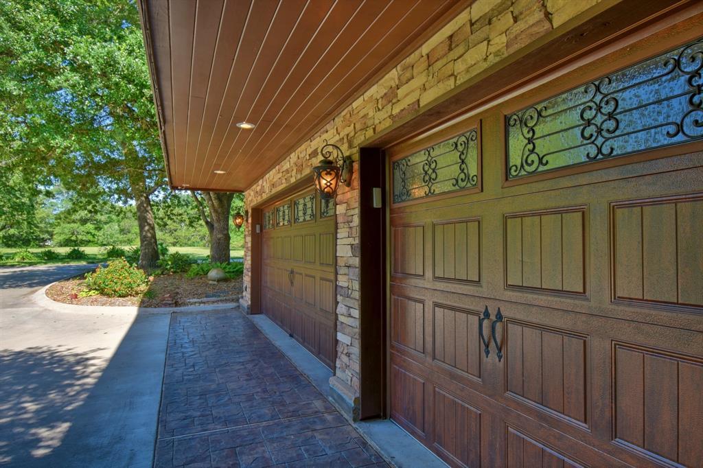 Custom Home in Brenham on 5 ac. Pond & Fabulous Landscape | 306 Hickory Bend  Road Brenham, TX 77833 16