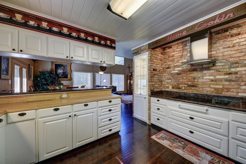 Custom Home in Brenham on 5 ac. Pond & Fabulous Landscape | 306 Hickory Bend  Road Brenham, TX 77833 21