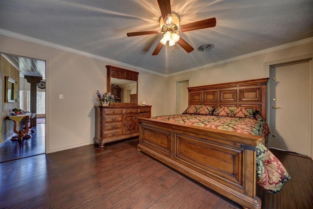 Custom Home in Brenham on 5 ac. Pond & Fabulous Landscape | 306 Hickory Bend  Road Brenham, TX 77833 22