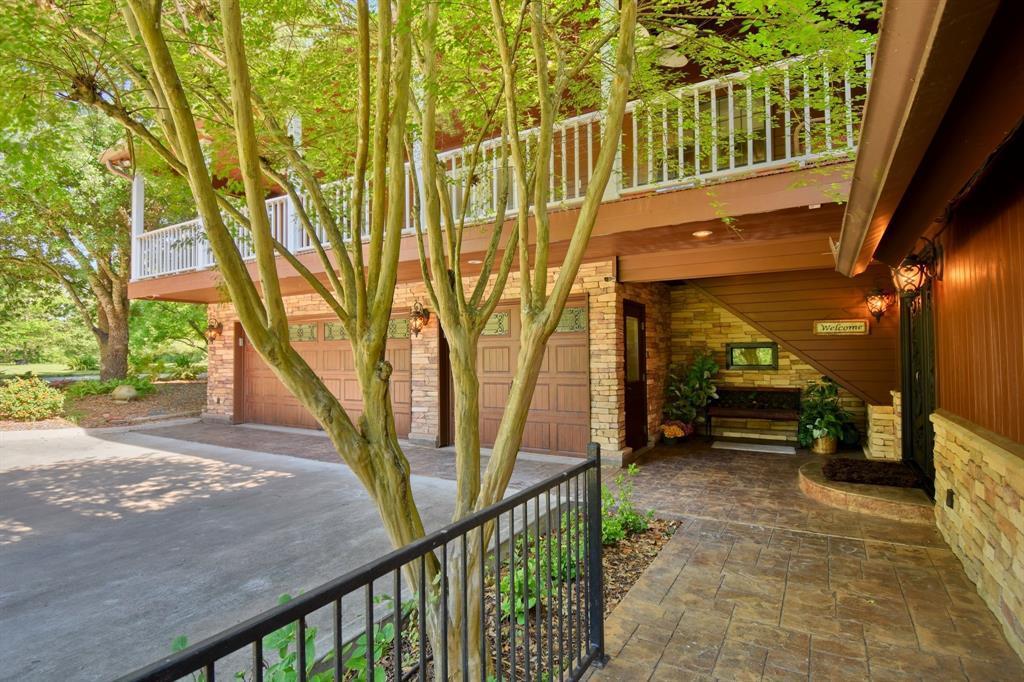 Custom Home in Brenham on 5 ac. Pond & Fabulous Landscape | 306 Hickory Bend  Road Brenham, TX 77833 5