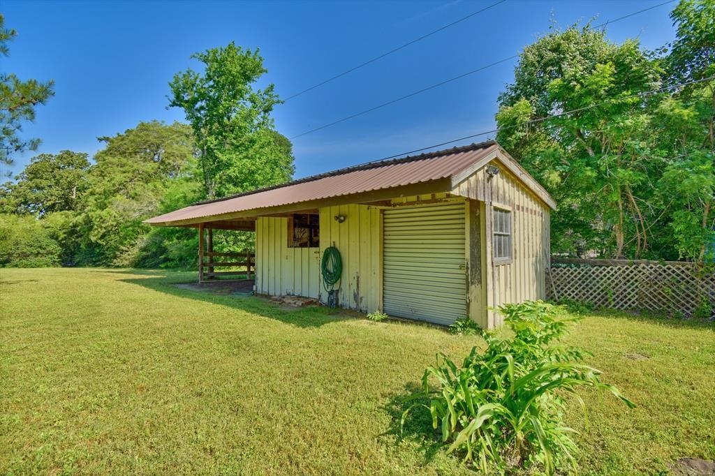 Custom Home in Brenham on 5 ac. Pond & Fabulous Landscape | 306 Hickory Bend  Road Brenham, TX 77833 30