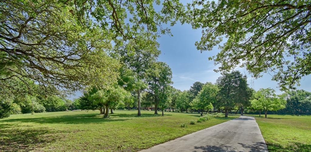 Custom Home in Brenham on 5 ac. Pond & Fabulous Landscape | 306 Hickory Bend  Road Brenham, TX 77833 33