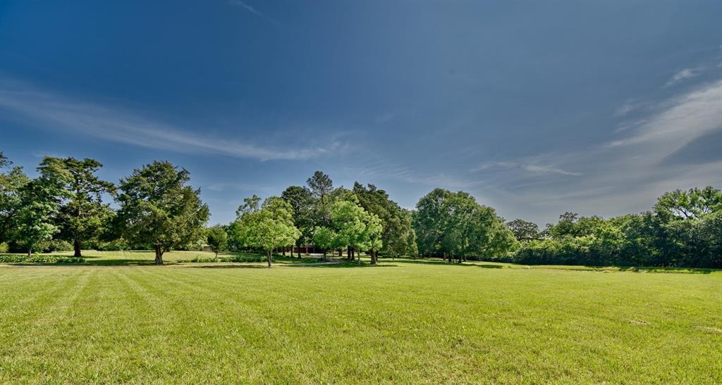 Custom Home in Brenham on 5 ac. Pond & Fabulous Landscape | 306 Hickory Bend  Road Brenham, TX 77833 8