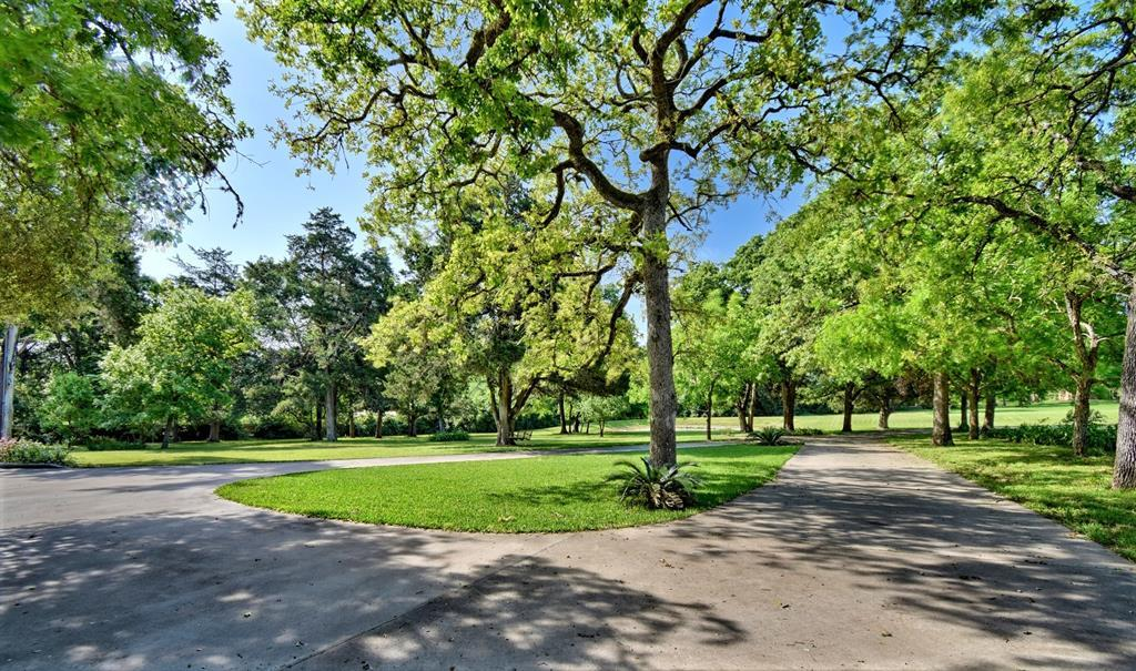 Custom Home in Brenham on 5 ac. Pond & Fabulous Landscape | 306 Hickory Bend  Road Brenham, TX 77833 12