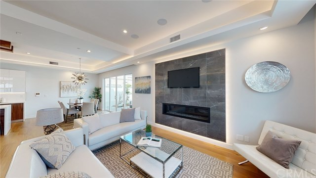 Active Under Contract   2203 Ruhland  Avenue #B Redondo Beach, CA 90278 3