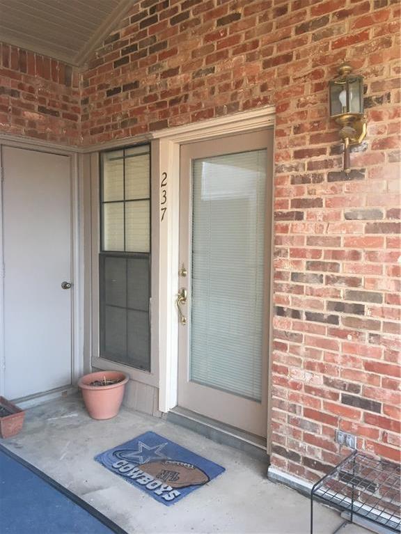 Sold Property | 401 Pebble Way #237 Arlington, Texas 76006 3