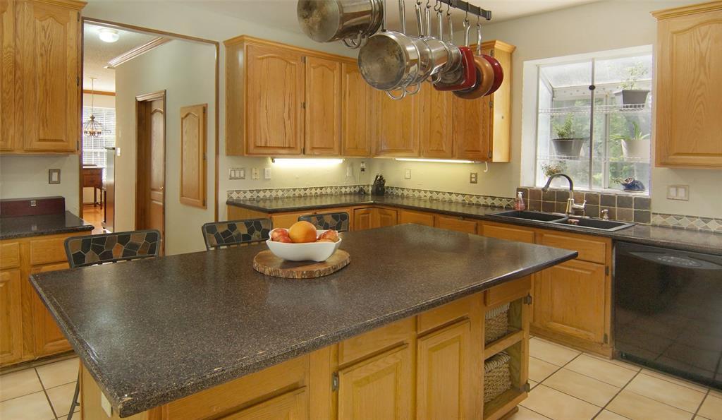 Sold Property   2004 Ridgemont  Court Arlington, TX 76012 11