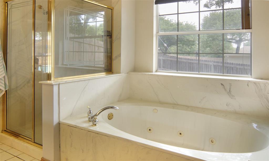 Sold Property   2004 Ridgemont  Court Arlington, TX 76012 16