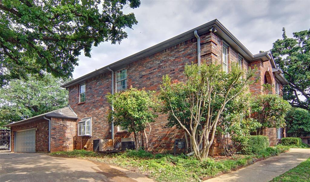 Sold Property   2004 Ridgemont  Court Arlington, TX 76012 3