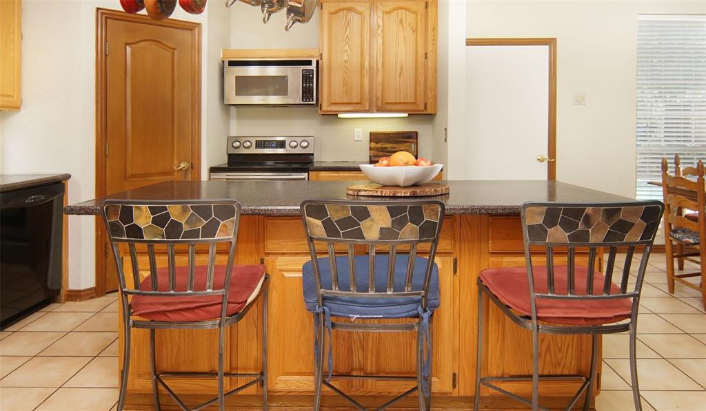 Sold Property   2004 Ridgemont  Court Arlington, TX 76012 10