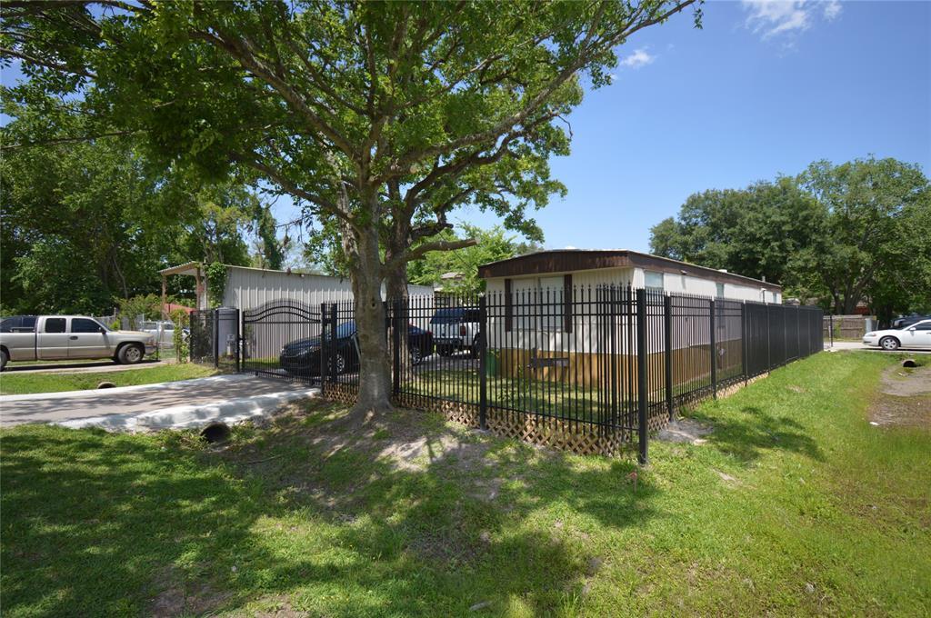 Off Market | 14424 Maeline Street Houston, Texas 77039 18