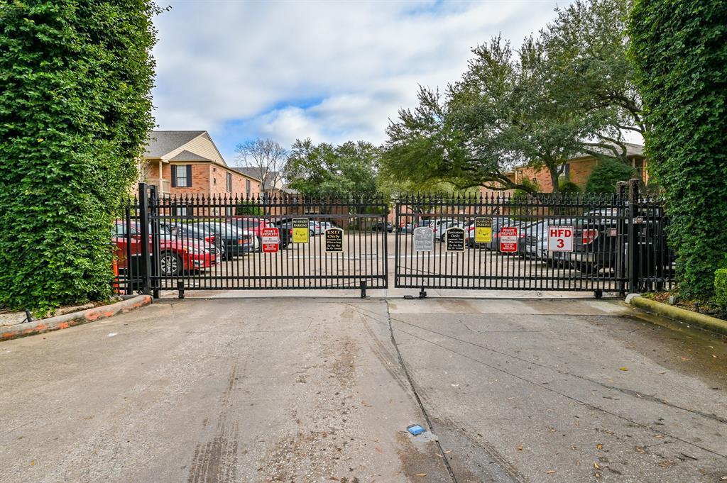 Off Market | 2255 Braeswood Park  Drive #102 Houston, TX 77030 26