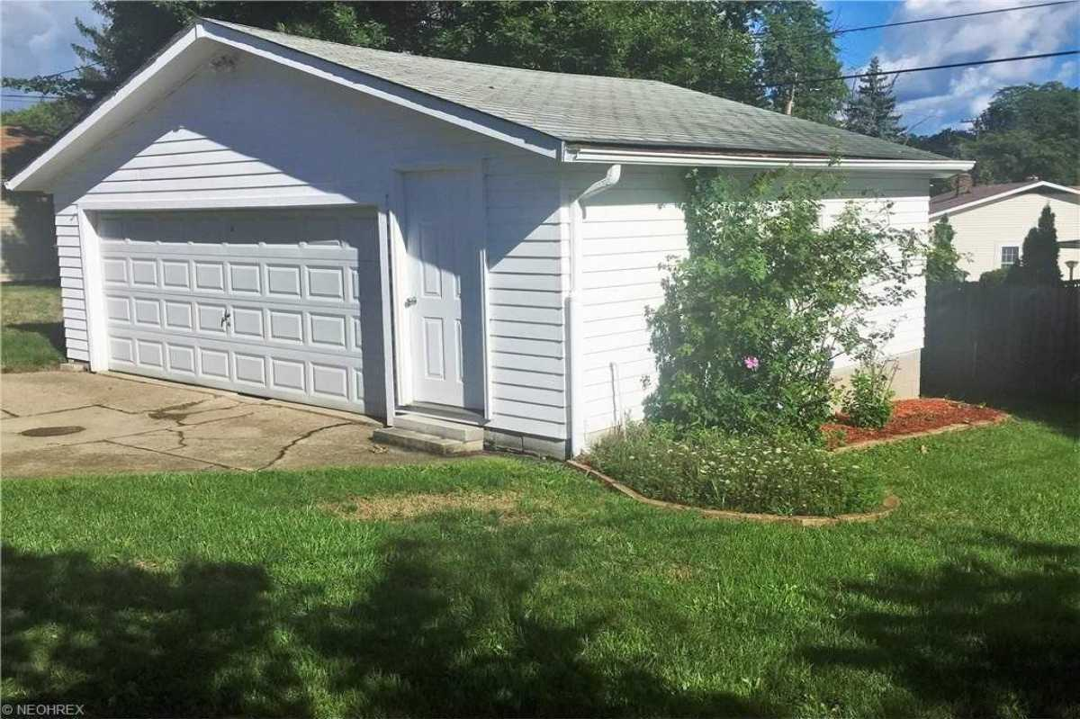 For Sale   1006 Judie Drive Cleveland, OH 44109 6