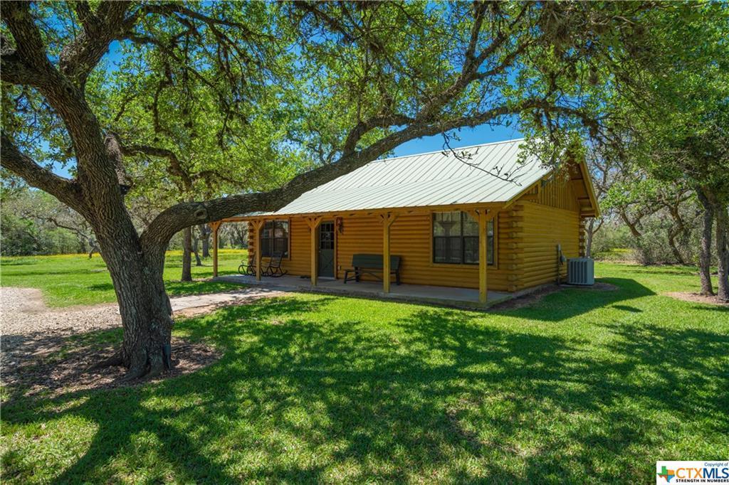 Active | 7084 Friar  Road Cuero, TX 77954 20
