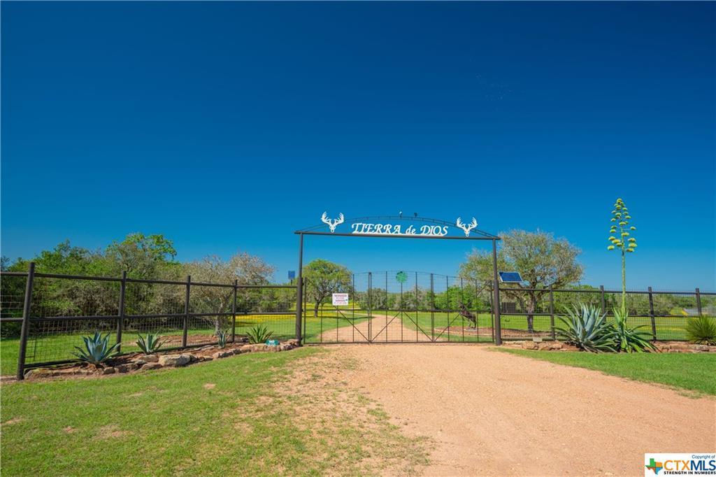 Active | 7084 Friar  Road Cuero, TX 77954 24