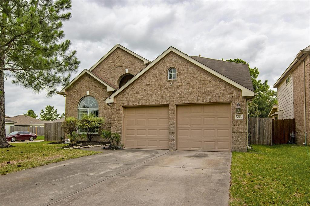 Pending | 7018 Sterling Meadow Drive Katy, Texas 77449 2