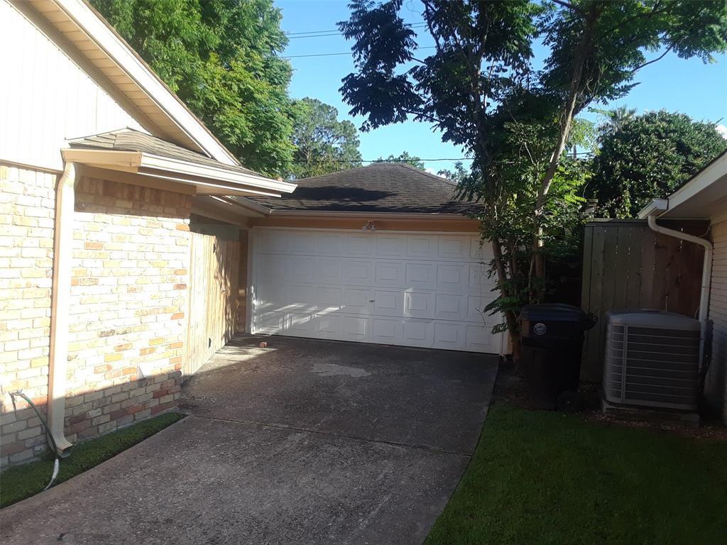 Active | 5843 Queensloch Drive Houston, TX 77096 46