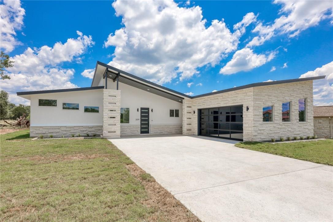 Active | 2019 American  Drive Lago Vista, TX 78645 0