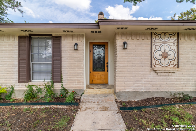 New | 656 FERN MEADOW DR Universal City, TX 78148 4