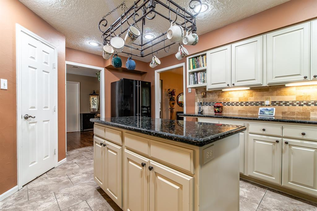 Pending | 7806 Vallecito  Lane Humble, TX 77396 10