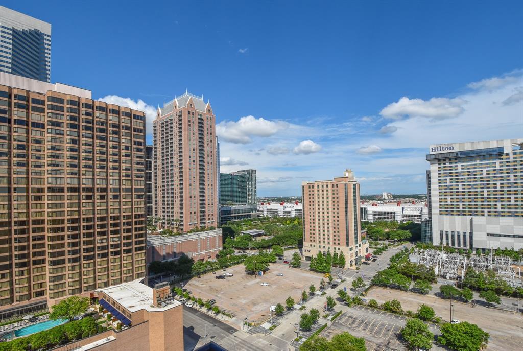 Active | 1211 Caroline Street #1502 Houston, Texas 77002 33