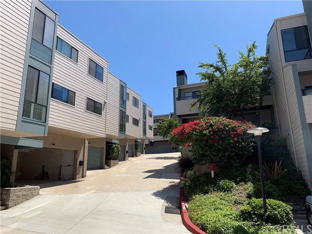 Active Under Contract | 448 Palos Verdes Blvd Redondo Beach, CA 90277 1