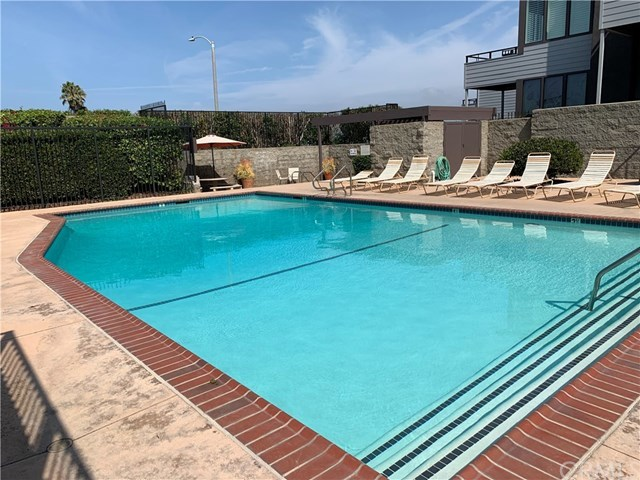 Active Under Contract | 448 Palos Verdes Blvd Redondo Beach, CA 90277 3