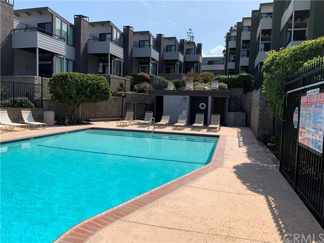 Active Under Contract | 448 Palos Verdes Blvd Redondo Beach, CA 90277 4