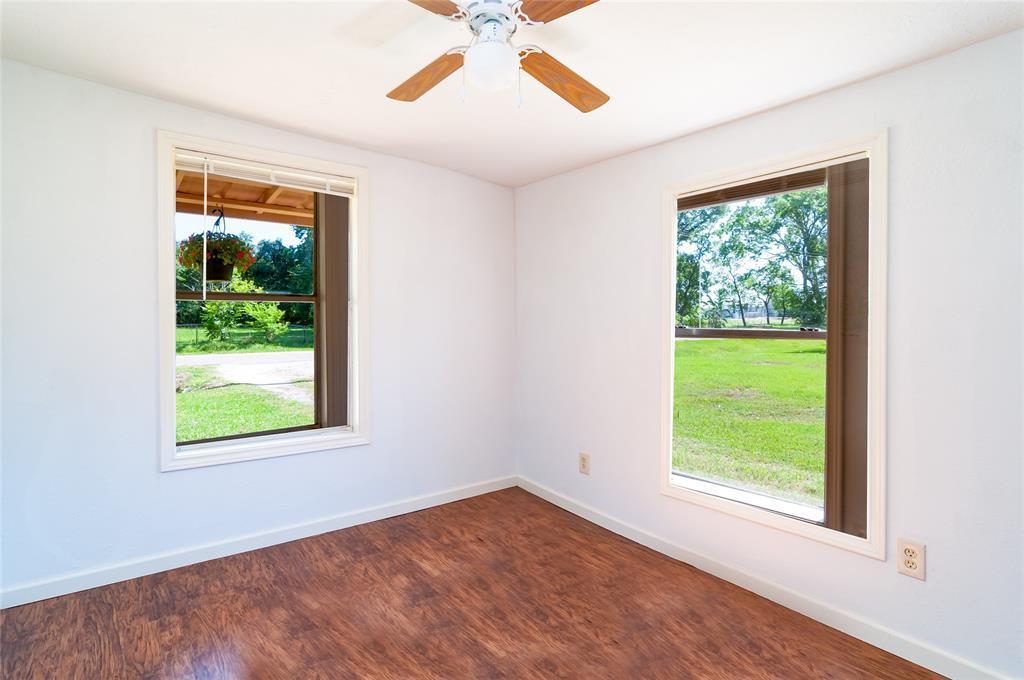 Pending | 1515 W Lobitt  Street Alvin, TX 77511 14