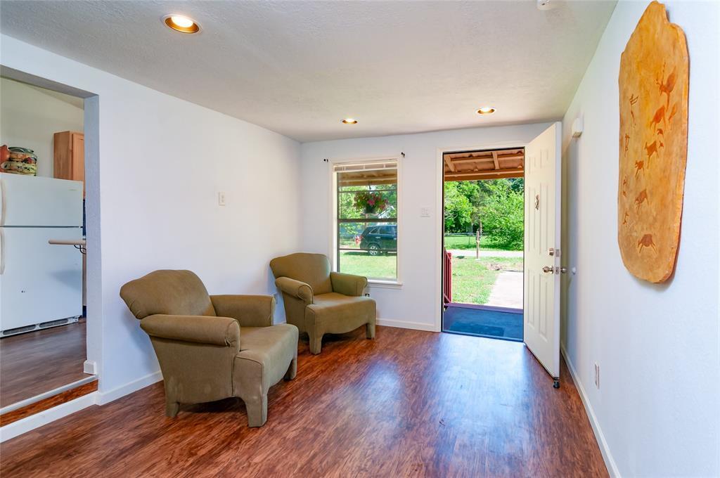 Pending | 1515 W Lobitt  Street Alvin, TX 77511 4