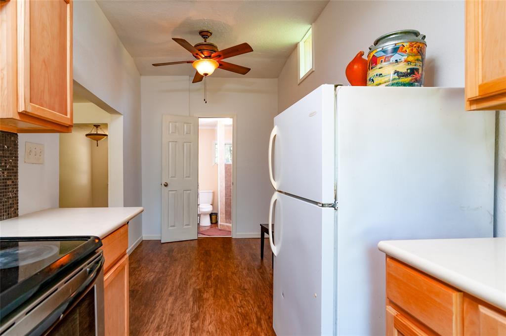 Pending | 1515 W Lobitt  Street Alvin, TX 77511 7