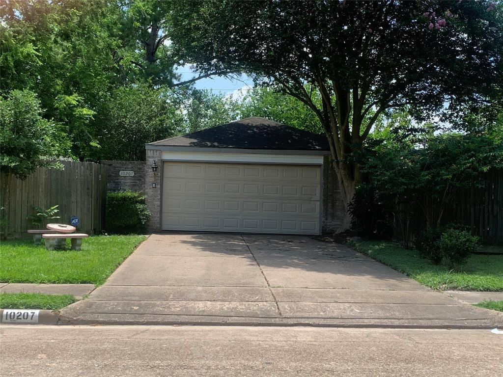 Pending | 10207 Foxrow Lane Houston, Texas 77064 1