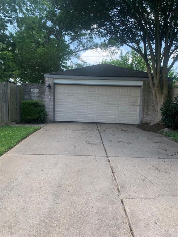 Pending | 10207 Foxrow Lane Houston, Texas 77064 10