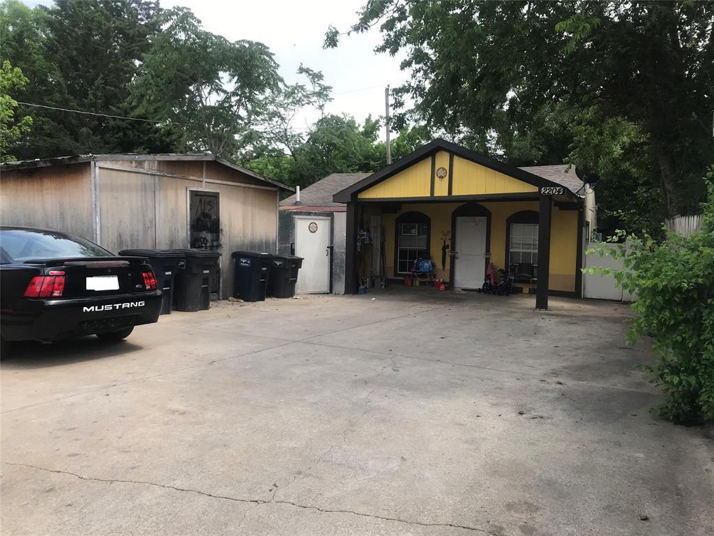 Active | 2204 Salisbury Avenue Fort Worth, TX 76106 15