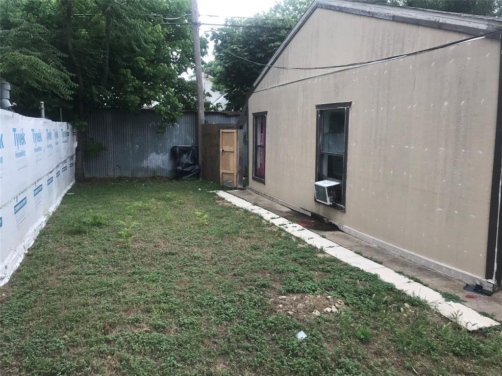 Active | 2204 Salisbury Avenue Fort Worth, TX 76106 17