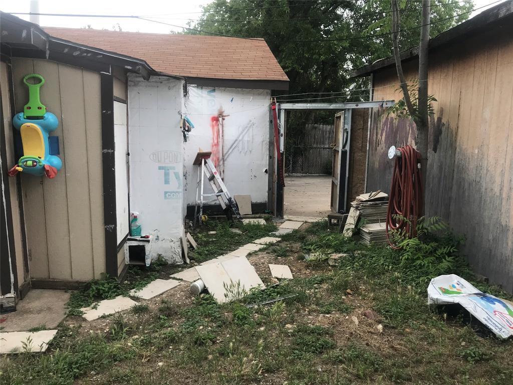 Active | 2204 Salisbury Avenue Fort Worth, TX 76106 19