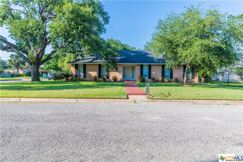 Sold Property | 402 Third Street Cuero, TX 77954 1