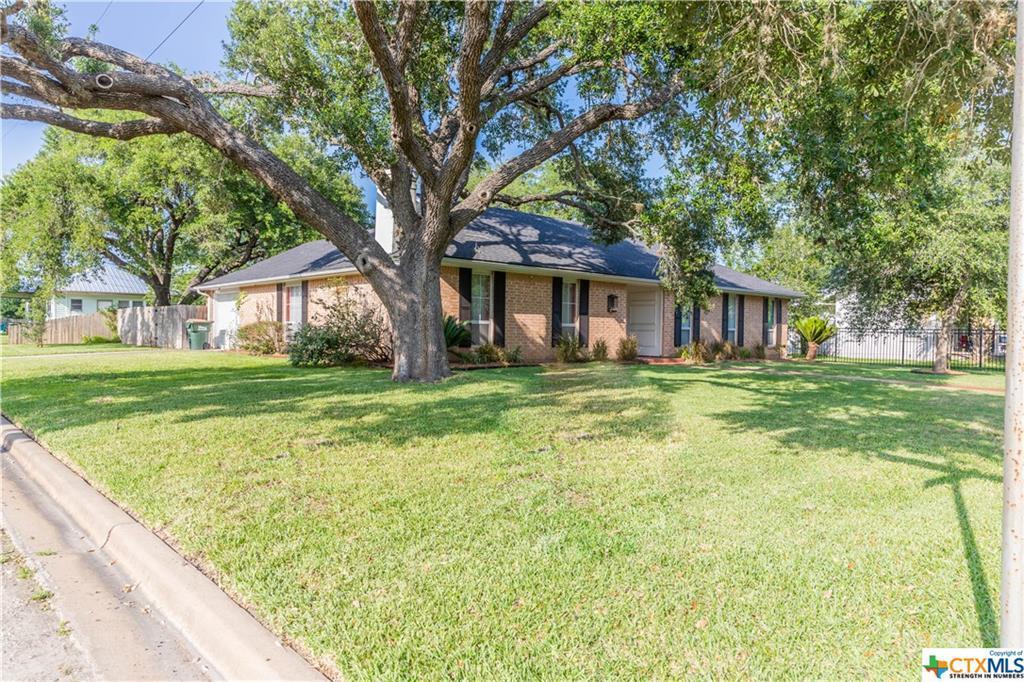 Sold Property | 402 Third Street Cuero, TX 77954 2