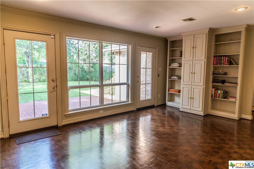 Sold Property | 402 Third Street Cuero, TX 77954 11