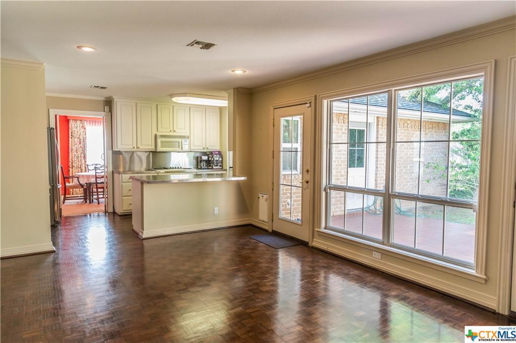 Sold Property | 402 Third Street Cuero, TX 77954 12