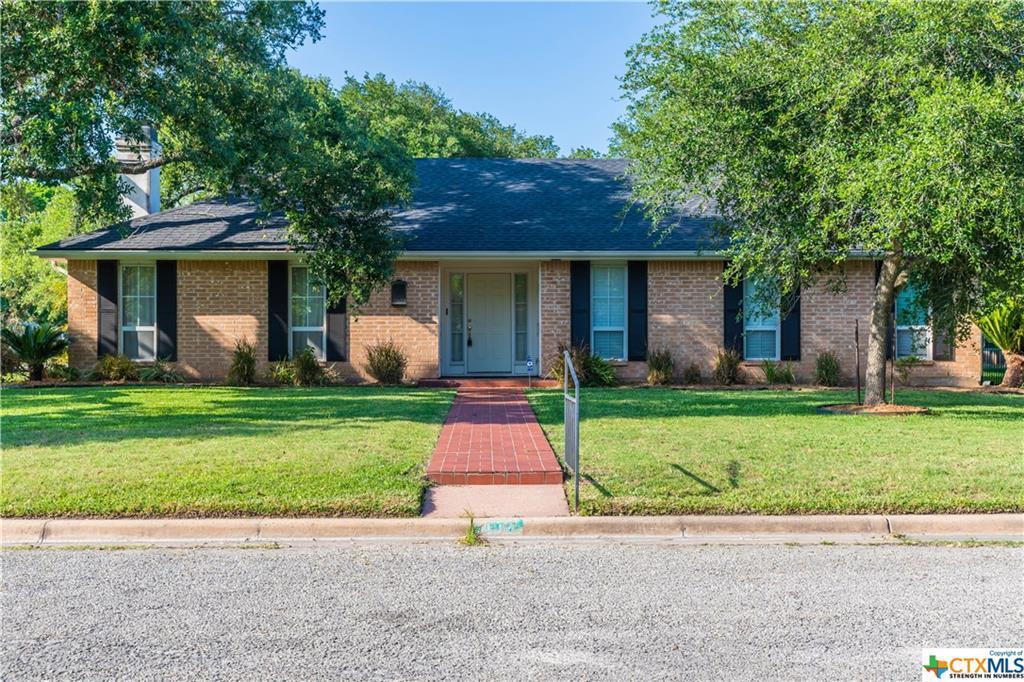 Sold Property | 402 Third Street Cuero, TX 77954 3