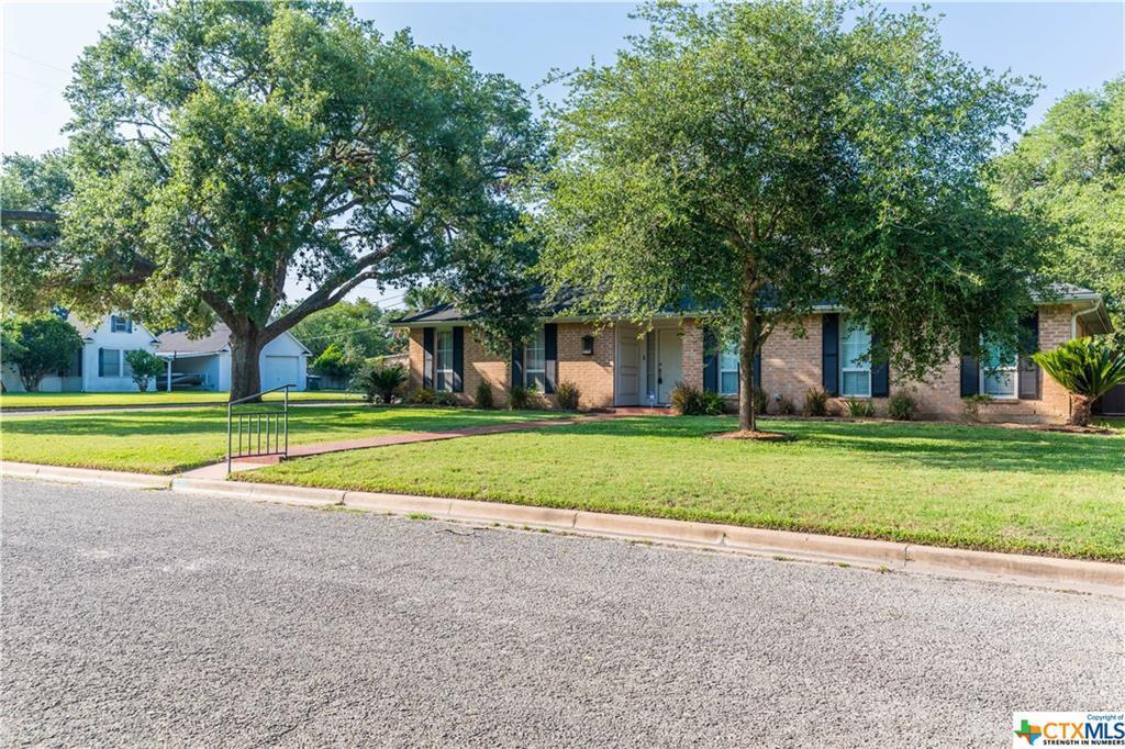 Sold Property | 402 Third Street Cuero, TX 77954 4