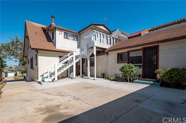 Pending | 117 S Helberta  Avenue Redondo Beach, CA 90277 4