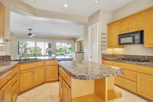Closed | 47910 Via Zurich La Quinta, CA 92253 17